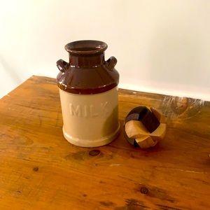 Decor set milk jug with wood puzzle